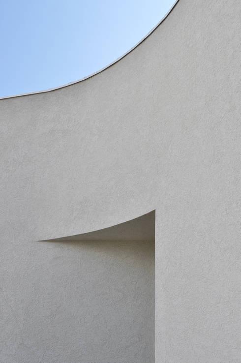 Casa Jorge Guedes: Casa  por 100 Planos Arquitectura Lda