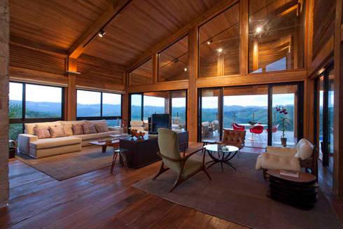 Casa da Montanha 3: Casas rústicas por David Guerra Arquitetura e Interiores