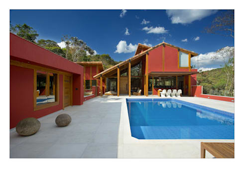 Casa da Mata 3: Piscinas campestres por David Guerra Arquitetura e Interiores