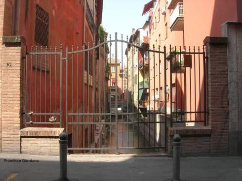 La vista sul Canale di Reno, Bologna  :  in stile  di Architetto Francisco Giordano