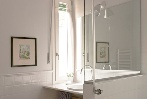 Bagno: Bagno in stile in stile Moderno di Fabio Ramella Architetto