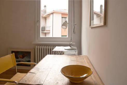 Studio: Studio in stile in stile Moderno di Fabio Ramella Architetto