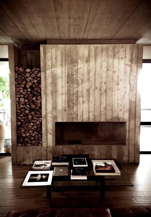 Casa S: Soggiorno in stile in stile Minimalista di MM A | Massimiliano Masellis Architetti