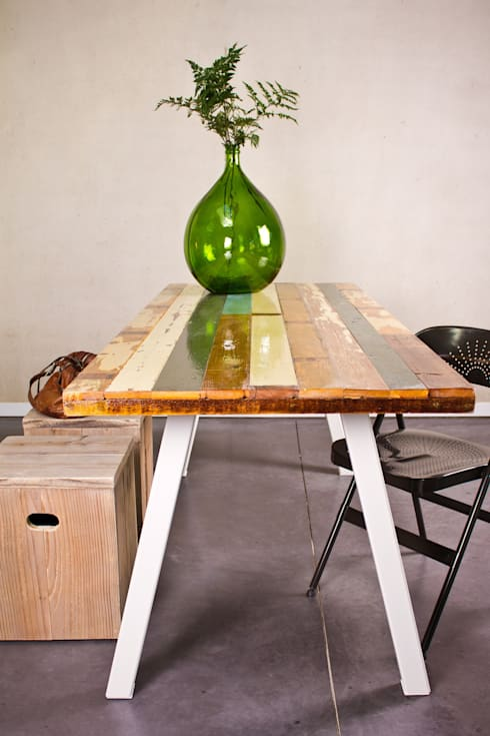 Tisch design  PURE Wood Design: Tisch recyceltes Holz/Stahlbeinen | homify
