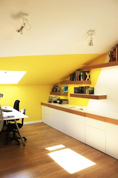 Estudio, lavandería y baño abohardiallados en Binéfar : Estudios y despachos de estilo escandinavo de ALBERT SALVIA dissenyador d'interiors