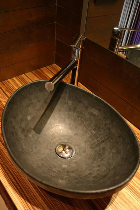 Centro de estètica <q>Sonia Rovira</q>: Clínicas de estilo  de lauraStrada Interiors