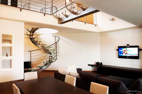 Spina House: Casa in stile  di Marco Rubini Architetto