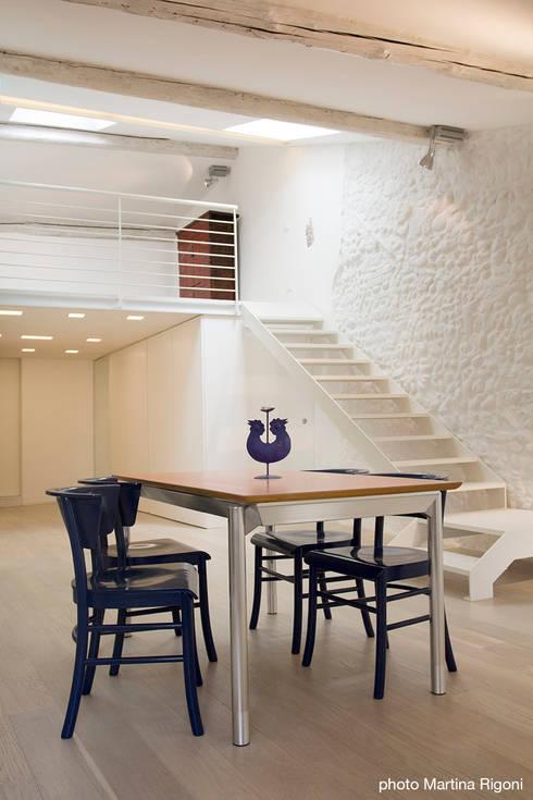interno: Case in stile  di moovdesign