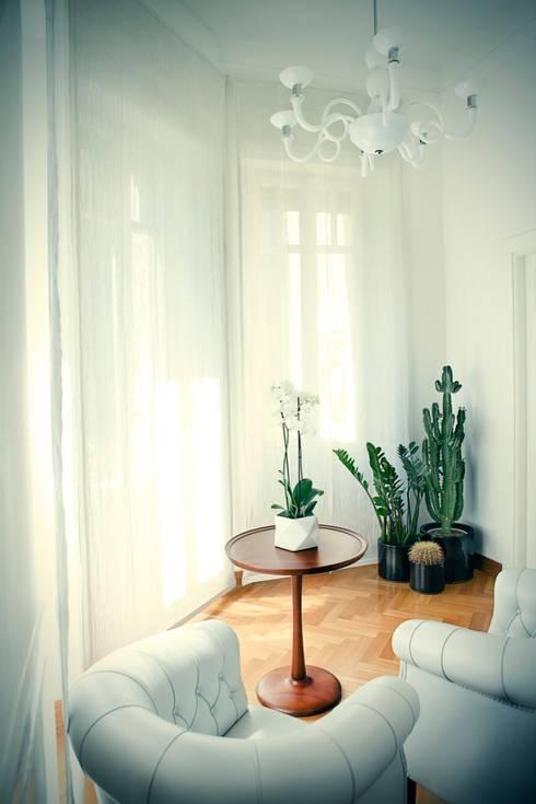 Bow Wow Home: Case in stile in stile Eclettico di Studio Cappellanti