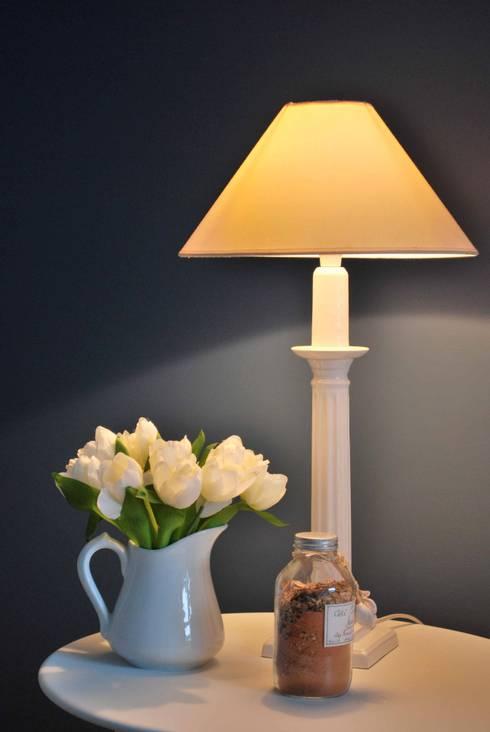 Décoration: Maisons de style  par Atelier Goodtime Interior Design