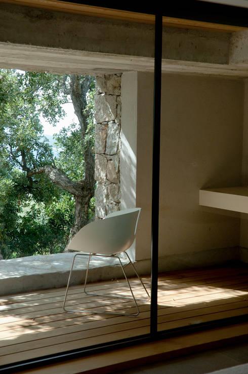 Salas de estar  por Vezzoni Associés