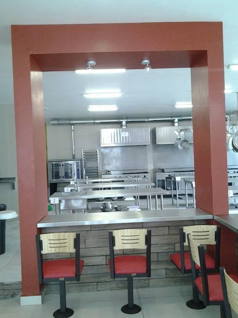 Restaurante Escuela Chef:  de estilo  por CESAR MONCADA S