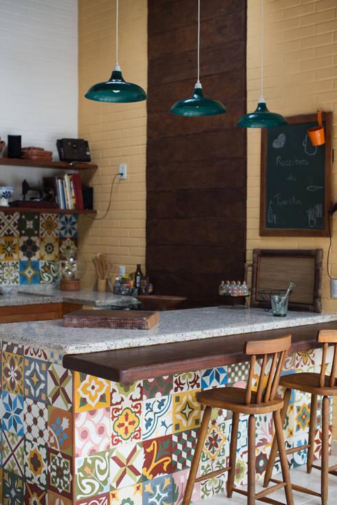 Espaço Gourmet : Terraços  por Lúcia Vale Interiores