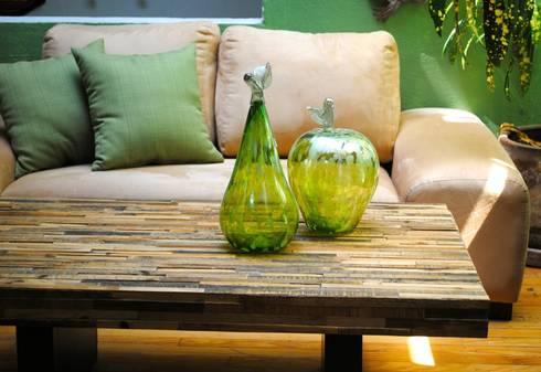 Mesa de centro sencilla : Salas de estilo moderno por Segusino Muebles Condesa