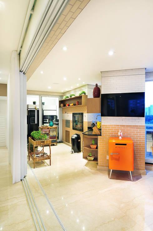 Terrazas de estilo  de Adriana Scartaris design e interiores