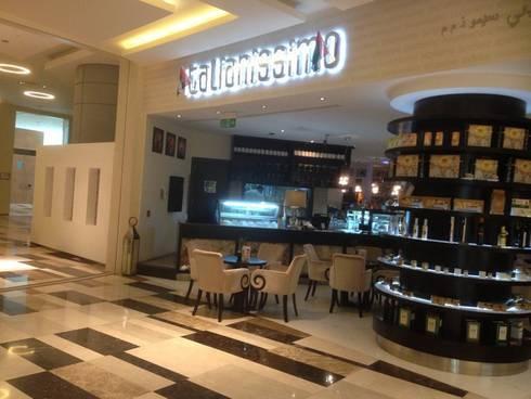 Corner Buonissimo in Abu Dhabi:  in stile  di Masi Interior Design di Masiero Matteo