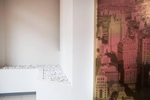 Frazionamento di unità immobiliare: Complessi per uffici in stile  di Geom. Stefano Feliziani
