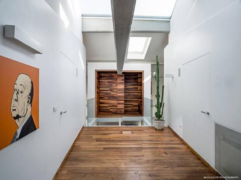 A05: Palestra in stile in stile Moderno di CRISTIANO LOBERTI ARCHITETTO