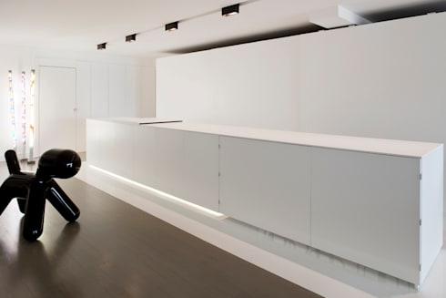 appartement B: minimalistic Kitchen by atelier d'architecture Yvann Pluskwa
