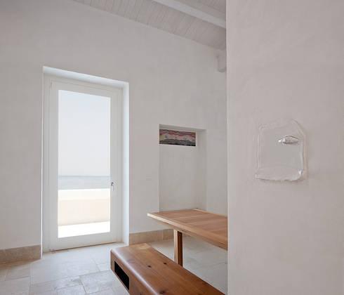 Casa EC: Ingresso & Corridoio in stile  di Indice Creativo