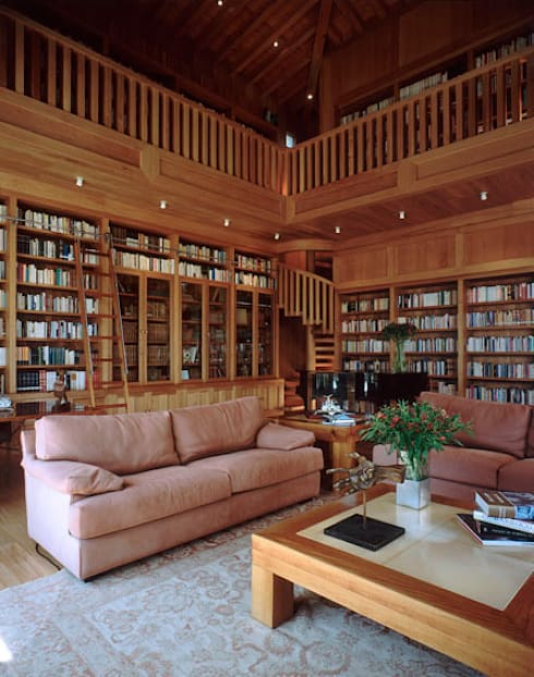 Biblioteca: Salas de estilo ecléctico por JR Arquitectos