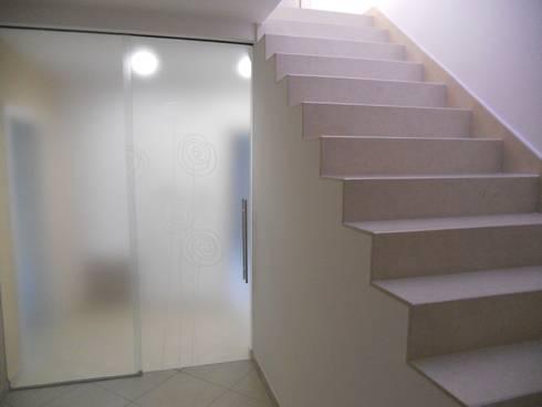 Casa L_F: Case in stile in stile Classico di DOMENICO SUCCURRO ARCHITETTO