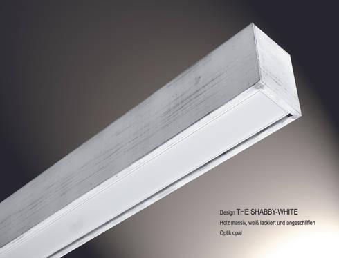 """Lignalux Design """"The Shabby White"""": moderne Esszimmer von Lignalux"""