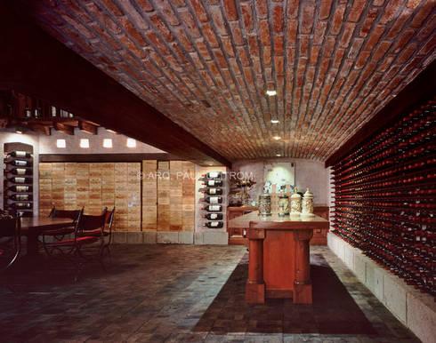 Cava: Cavas de estilo clásico por JR Arquitectos