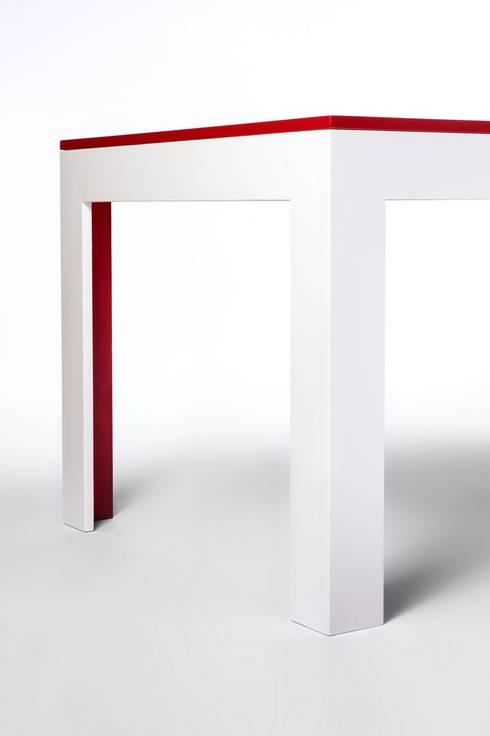 moderner esstisch de busch design m bel homify. Black Bedroom Furniture Sets. Home Design Ideas