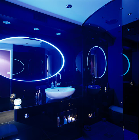 Luxury Penthouse London: modern Bathroom by Quirke McNamara