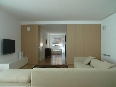 Casa FR: Case in stile in stile Moderno di _UpA