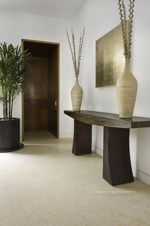 Ingresso & Corridoio in stile  di Marmoles ARCA