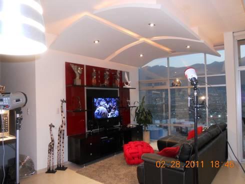 COVA: Salas de estilo moderno por INTERIORISMO MG