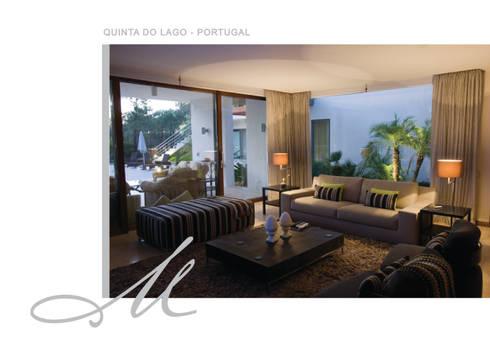 House in Quinta do Lago:   por Maria Raposo Interior Design