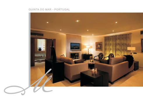 House in Quinta do Mar:   por Maria Raposo Interior Design