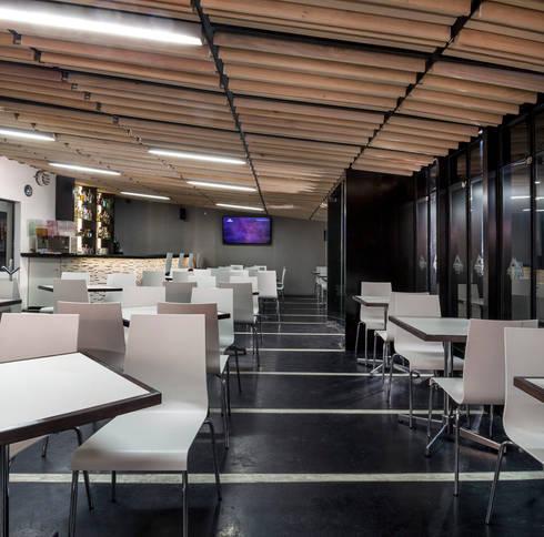 Restaurant Fogonazo Polanco: Restaurantes de estilo  por PASQUINEL Studio