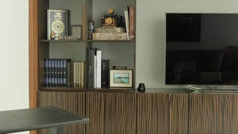 PALMAS 08: Salas multimedia de estilo moderno por NIVEL TRES ARQUITECTURA