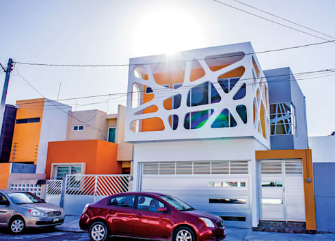 Vista desde la calle: Casas de estilo moderno por Gerardo ars arquitectura