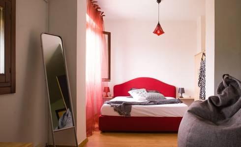 camera dopo:  in stile  di  Mariagrazia Guarini Home Stager & interior Design