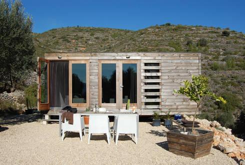 Casas pré-fabricadas  por DMP arquitectura