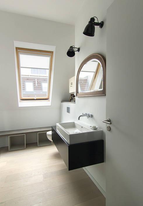 Bad im Vintage-Look: industriale Badezimmer von Berlin Interior Design