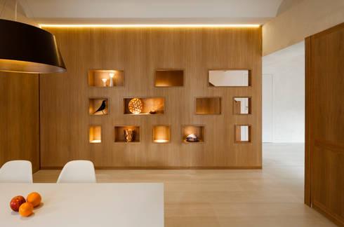 Dúplex en Gracia: Comedores de estilo moderno de ZEST Architecture