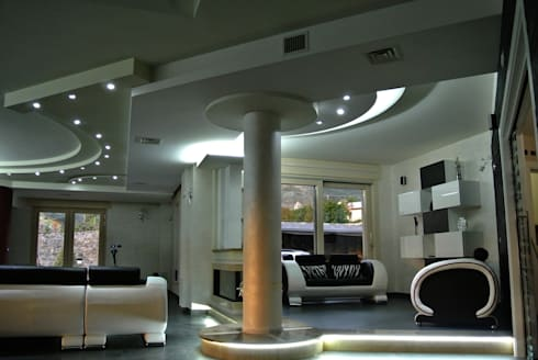Vista d'insieme della zona salotto: Soggiorno in stile in stile Moderno di GIOIA Biagio ARCHITETTO