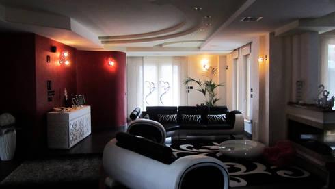 Il salotto della zona giorno: Soggiorno in stile in stile Moderno di GIOIA Biagio ARCHITETTO