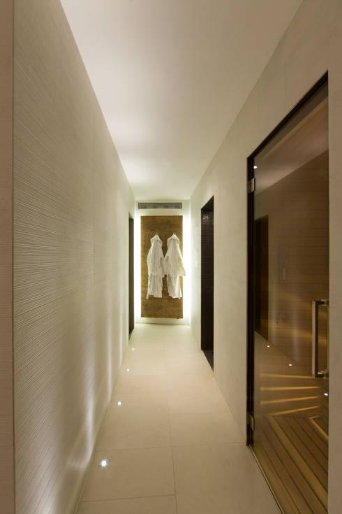 Pietre Gemelle Wellness & Spa: Spa in stile in stile Moderno di Gavinelli Architettura Studio Associato