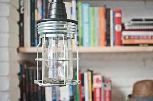 Lampada pendente: Studio in stile in stile Minimalista di R3ARCHITETTI
