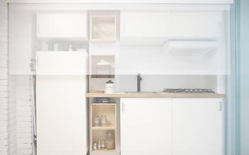 Cucina: Studio in stile in stile Minimalista di R3ARCHITETTI