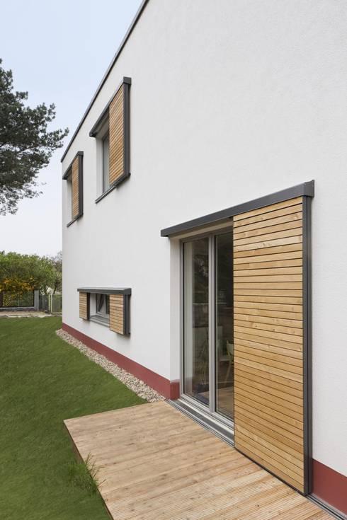 Projekty, nowoczesne Domy zaprojektowane przez Maedebach & Redeleit Architekten