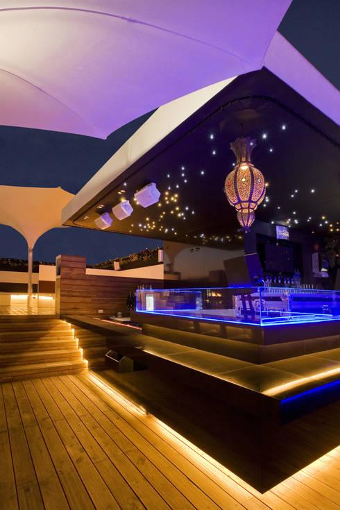 Hookah Lounge Satélite:  de estilo  por BNKR Arquitectura