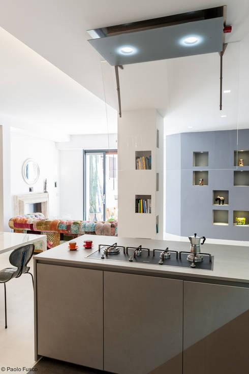 Appartamento a Monteverde: Cucina in stile in stile Moderno di zero6studio - Studio Associato di Architettura
